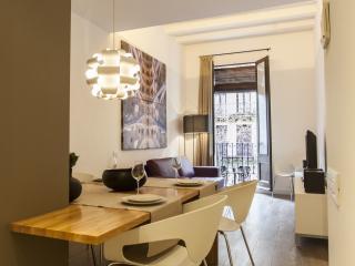 Cozy 2 Bedroom Apartment in the Heart of Esquerra de l'Eixample, Barcelona