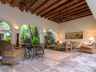 Scenic 5 Bedroom Villa in Old Town, Cartagena
