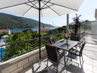 Villa Celenca - Superior Two Bedroom Apartment with Balcony Sea View - A2, Mokosica