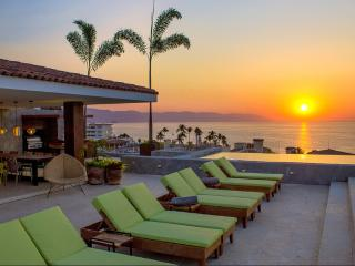 Stunning 2 Bedroom at PACIFICA Condominiums, Puerto Vallarta