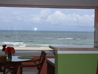DIRECTLY ON THE BEACH!!  1 bedroom 11/2 bath, Pompano Beach