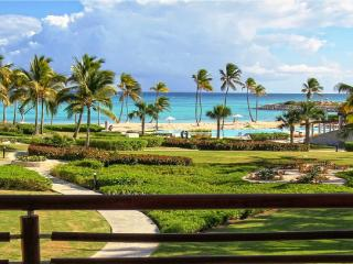 Lovely 1-bedroom Condo with Jaccuzzi and Sea View!, Punta Cana