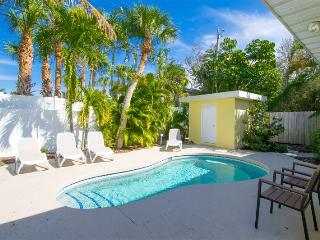 Seaside Cottage - 4/3 Heated Pool Home On Siesta Key Beach Access [Sleeps 10]