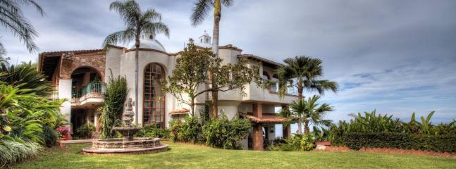 Full Staff- 5 Minute Walk to the Beach- 10 BR Luxury Villa sleeps up to 23, Puerto Vallarta
