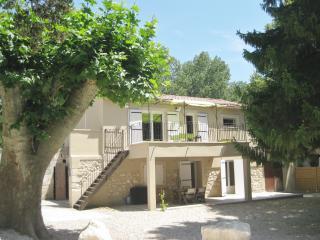 Gîte de campagne 'Mas la Mounine' en Provence, Orgon
