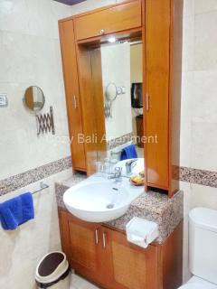 Mirror and sink in the Bathroom