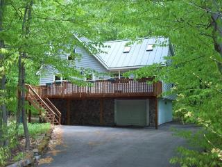 Arrowhead Lake - expanded Chalet, Pocono Lake