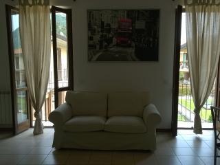 L. Garda beautiful 2 bedrooms apartment sleep 6, Roe Volciano