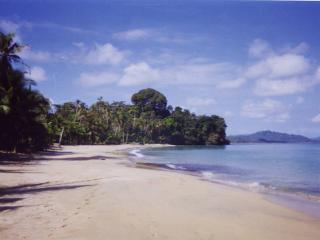 El Caracol Azul, Punta Uva Beach