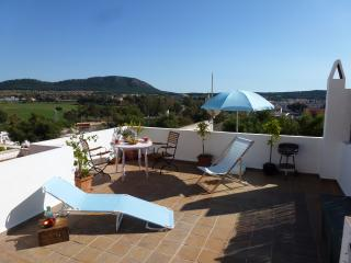 Apartment on the beach with private terrace, Santa Ponsa