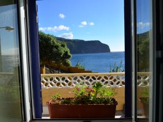 BEACH HOUSE RENT - AZORES
