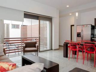 sleeps 6- steps from the caribbean, Playa del Carmen