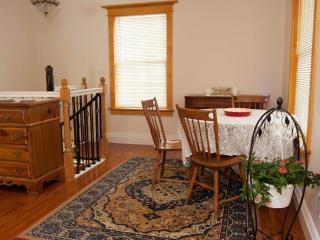 Tangren House Luxury Inn ~ La Sal Suite 5, Moab