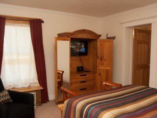 Tangren House Luxury Inn ~ Moab Room 4