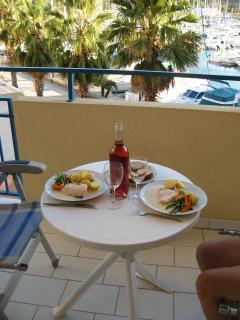 Balcony wine and dine