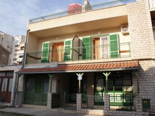House in the Center for 10 persons/ great location, Makarska