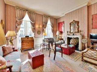 Elegant 2 Bedroom Home in Kensington and Chelsea, London
