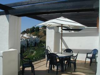 2 bed apt in La Quinta golf, Marbella