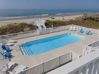 Aug 19 for $3250! - OCEANFRONT - AMAZING VIEWS!!! (LARGEST POOL ON EMERALD ISLE)