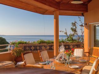 Charming villa close to the beach, Olmeto