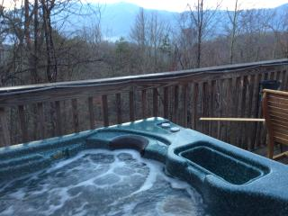 Love Nest Chalet, Views, Secluded & Location, Gatlinburg