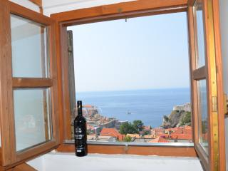 Apartments Brautovic - One Bedroom Apartment with Terrace and Sea View