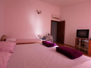 TH01879 Apartments Magi / One bedroom A1, Hvar