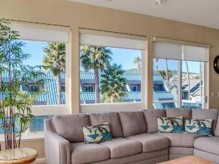 Oceanfront views, three balconies & steps from the beach!, Pismo Beach