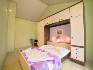TH02804 Apartments Gordana / Two bedrooms A4 PURPLE, Supetarska Draga