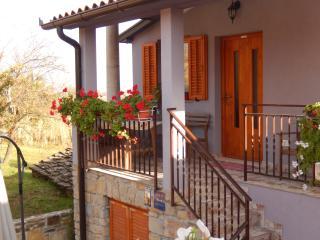 TH00308 Apartments Sveti Leonard / One bedroom A2, Oprtalj
