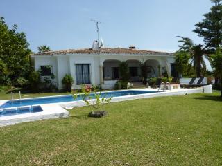 4 bed Villa in El Paraiso, Benahavis