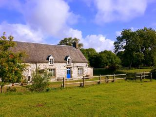 Peaceful,rural farmhouse gite. ANY-DAY changeovers, Le Teilleul