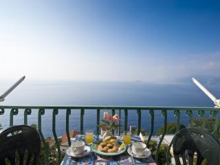 Casa Lucia - seaview to Capri, WIFI, no stairs, Praiano