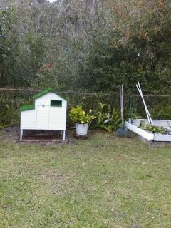 Game chicken coop