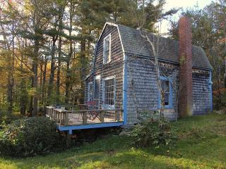 Antique Cottage in Serene Setting, Harpswell