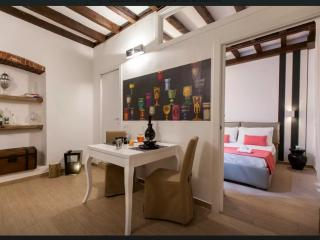 ★ Cozy apt downtown DUOMO (downtown) and Navigli ★ parking