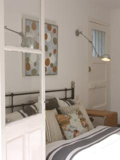 Bed room no.1, direct access to garden and to the bathroom.