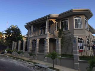 Increible Casa en Alquiler en Villa Cacao, Puerto