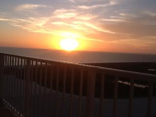 Marco Island Waterfront 18th floor - Perfect Sunsets!!
