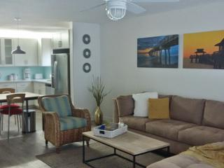 Beautiful condo on park near beach 3-6 months min.