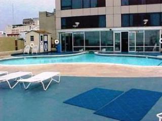 == June 29 - July 6 == DIRECTLY on Boardwalk DIRECTLY facing Ocean == Top Floor
