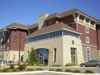 Peninsula Bay Resort Condo.  Grand Traverse Bay!, Traverse City