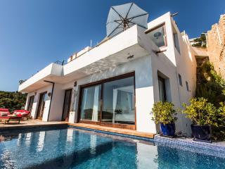 Casa Jade, Amazing views to the Sea, Roca Llisa