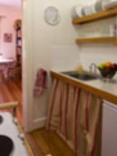 Petite kitchen