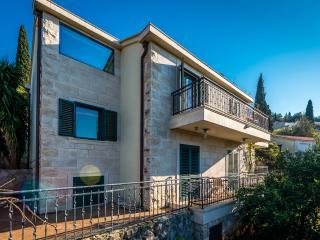 Holiday Home Borna-Three Bedroom Villa