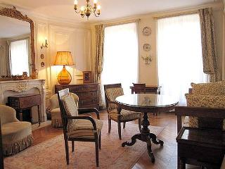 2 bedroom Apartment - Floor area 70 m2 - Paris 9° #4091005
