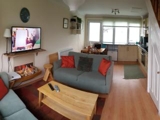 Modern 2 Bed Beachside Holiday Home