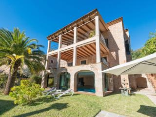 CIRCE - Villa for 10 people in FORNALUTX