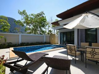 Private Pool Villa + 2 Scooters!, Ao Nang
