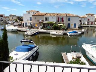 Fisherman's house,boat and private mooring to rent, Aigues-Mortes